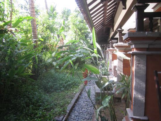 Legian Beach Hotel : Superior room garden