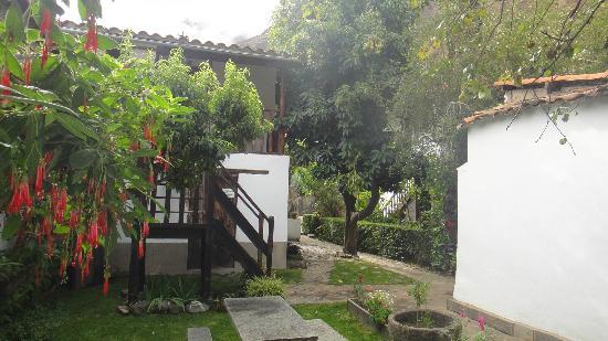 El Albergue Ollantaytambo: Alrededores Hab