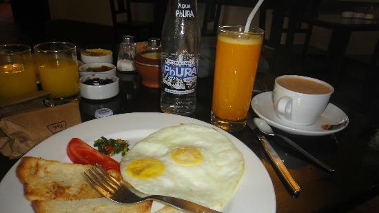 El Albergue Ollantaytambo: Desayuno