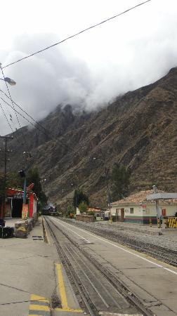 El Albergue Ollantaytambo: Llegada del tren