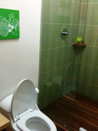 Tantalo Hotel / Kitchen / Roofbar: Bathroom