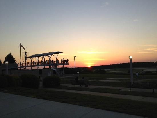 RDU Observation Park: Park at Dusk