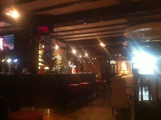 Casuarina Tree: bar/ resteraunt area