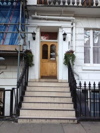 So Paddington : front entrance