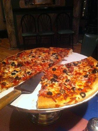 Adriatik's Family Restaurant : Awesome pizza