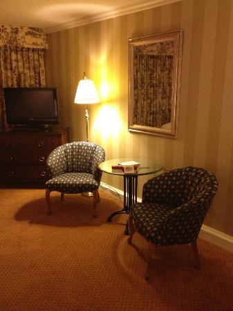 Wedgewood Hotel & Spa: Sitting area