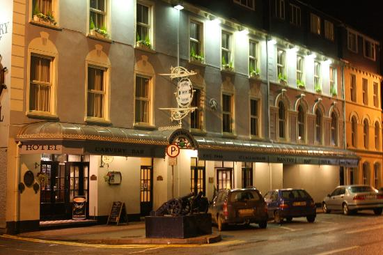 The Bantry Bay: Bantry Bay Hotel, Wolfe Tone Square