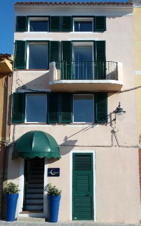 Calaluna Residence: Ingresso residence