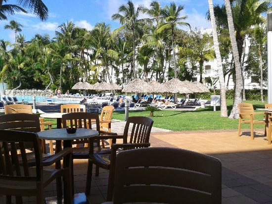 Hotel Riu Naiboa: Esplanada piscina