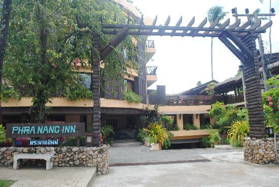 Phra Nang Inn: Frente del hotel