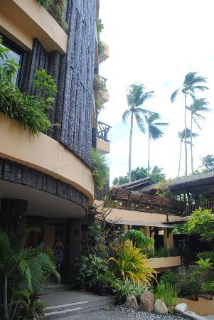 โรงแรมพระนาง อินน์: frente del hotel