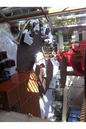 Silken Al-Andalus Palace Hotel: Hotel Foyer