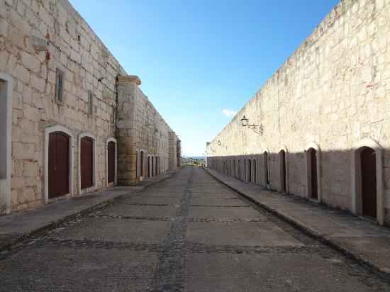 Castillo de San Carlos de la Cabana: its huge