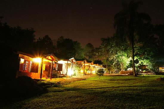 Cabañas Maria Belen: Vista nocturna