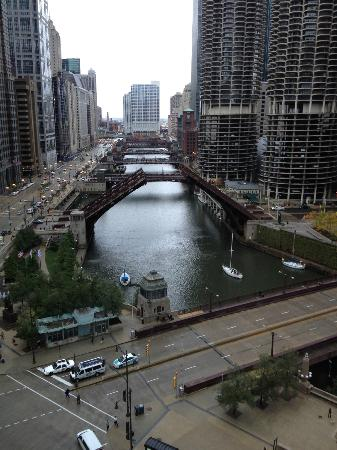 Wyndham Grand Chicago Riverfront: View out the window