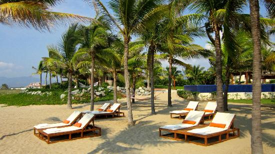Las Palmas Resort & Beach Club: Beach area