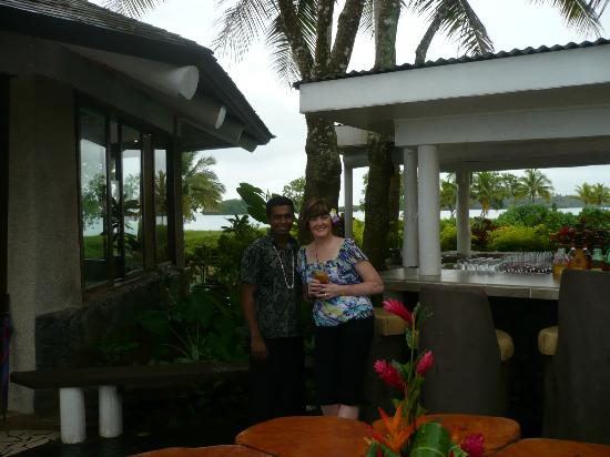 Koro Sun Resort and Rainforest Spa: Fisal was a great bartender!