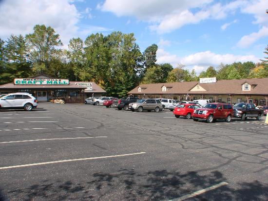 Baymont Inn & Suites Logan: nearby stores