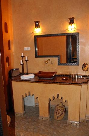 Dar Silsila: Bathroom