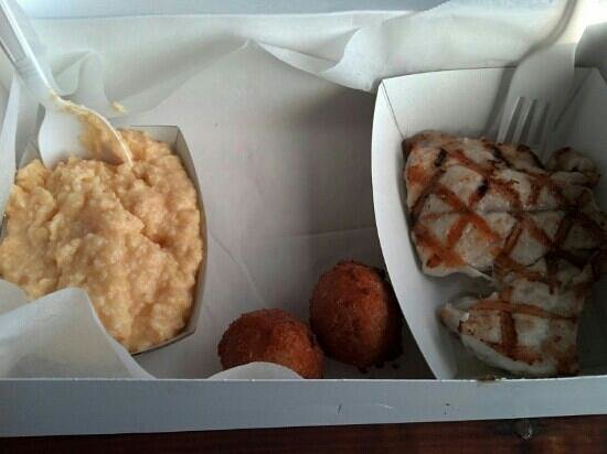 Star Fish Company Dockside Restaurant: grouper, cheese grits and hush puppies