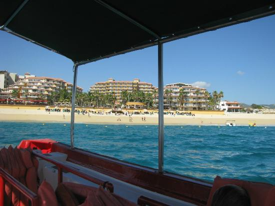 ‪‪Villa del Palmar Beach Resort & Spa Los Cabos‬: Resort view from our boat‬