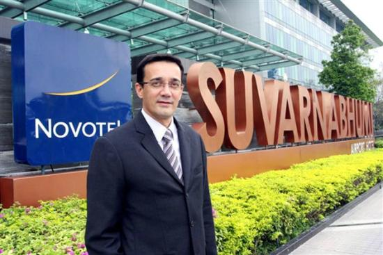 Novotel Bangkok Suvarnabhumi Airport: Front Sign with GM