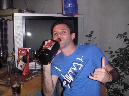Aji Hostel: bar