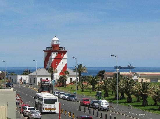 Mouille Point Village: Green Point Lighthouse from balcony
