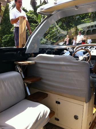سونيفا كيري: arrival in style: speed Riva style boat