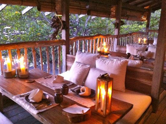 Soneva Kiri Thailand: benz restaurant interior