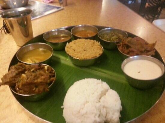 Karaikudi Restaurant: chicken set rice