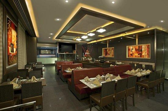 Hotel Supreme Heritage: Atithi - Multi-cuisine Restaurant & Bar