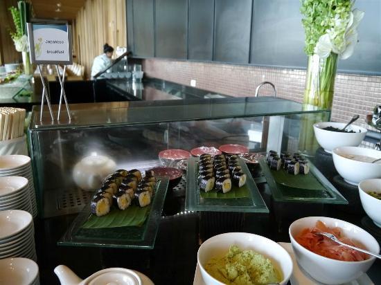 Hilton Pattaya: 朝食の寿司コーナー