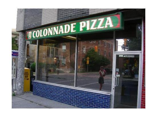 Colonnade Pizza & Restaurant Foto