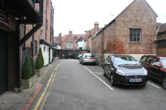 Mercure Stratford-Upon-Avon Shakespeare Hotel: Entrance from Sheep Street