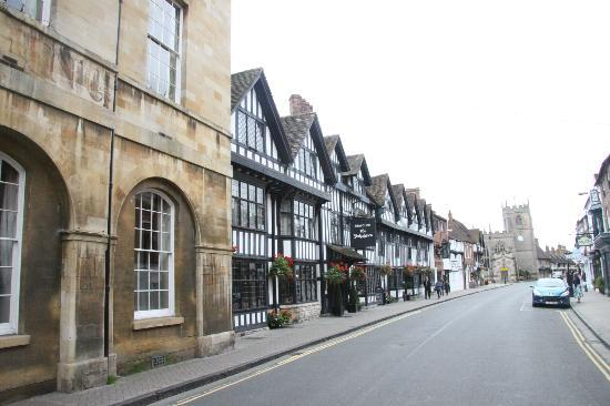 Mercure Stratford-Upon-Avon Shakespeare Hotel: One hour parking max