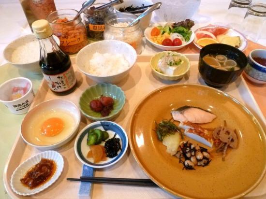 Hotel Sunroute Sopra Kobe: 卵かけご飯が大人気!朝食盛付例 和食編