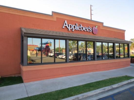 an analysis of the dining experience in the applebee s neighborhood bar and grille