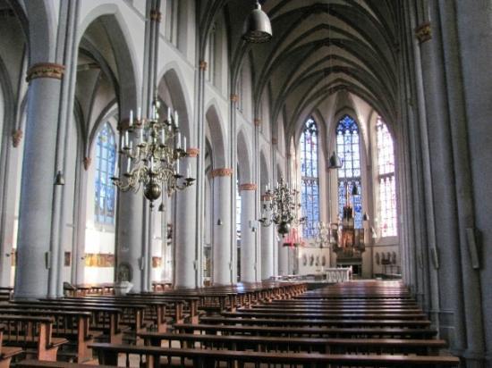 St. Maria Himmelfahrt - Die Stiftskirche