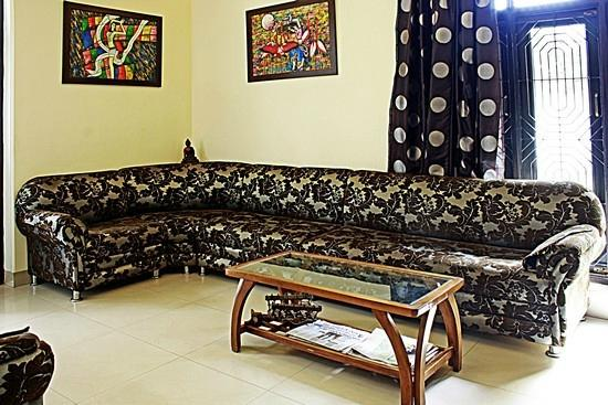 Taj Home Stay: Lobby Area