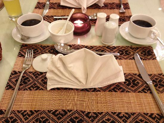 Hanoi Meracus Hotel 1: Morning ABF