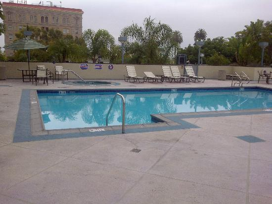 Crowne Plaza Los Angeles Harbor Hotel: Pool