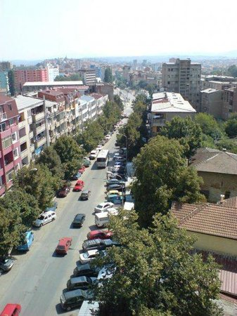 Mitrovica, Kosovo: heading towards the bridge