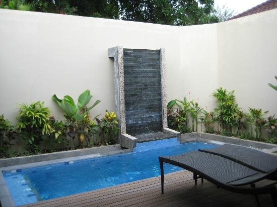 Desamuda Village: Private pool