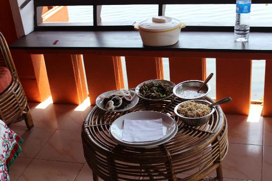 Green Palace Kerala Resort: Lunch