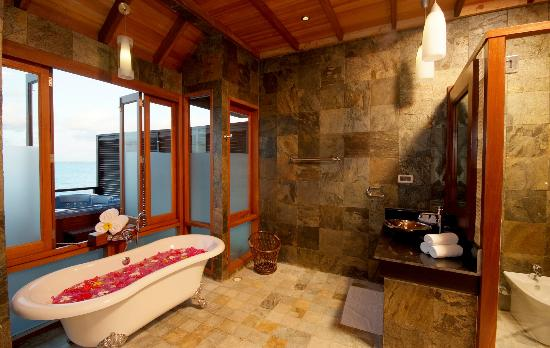 Olhuveli Beach & Spa Resort: Honeymoon Water Villa at Olhuveli Maldives