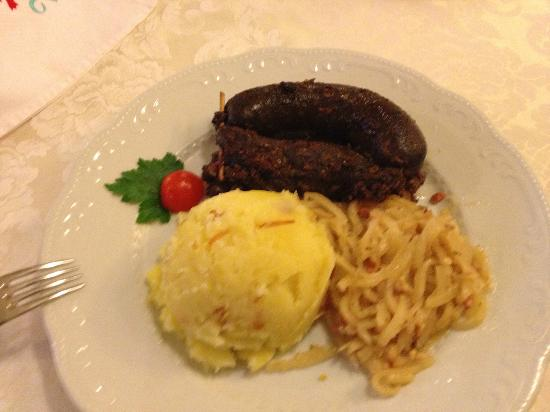 Restaurant Kotnik: Krvavica s kislo repo