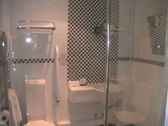 Garniche at the Puesdown: Room 2 bathroom