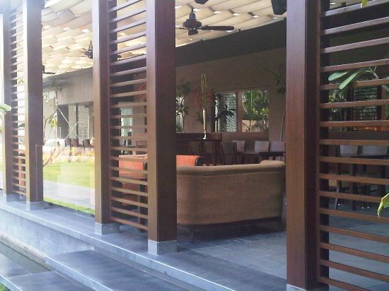 Hotel Express Residency : The Restaurant