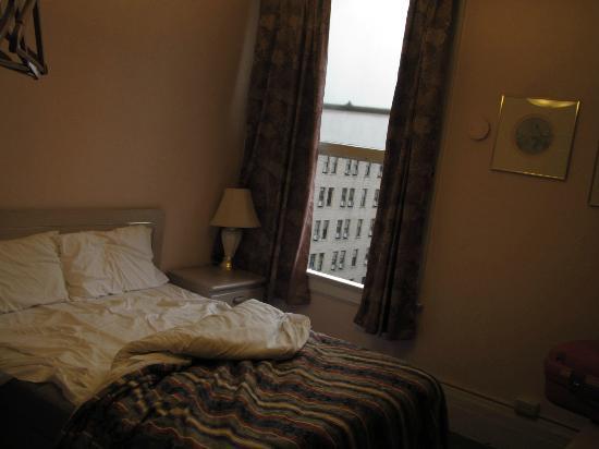 Astoria Hotel: Habitación